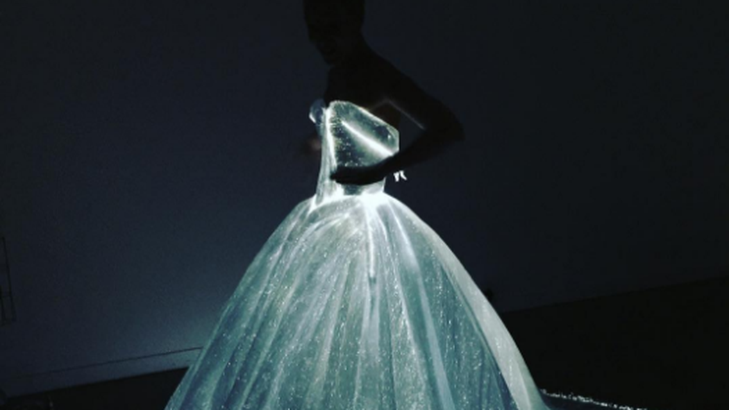 Claire Danes light up Zac Posen gown